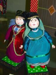 Подслушанный разговор. Три куклы. 2010 (третья кукла  вне кадра