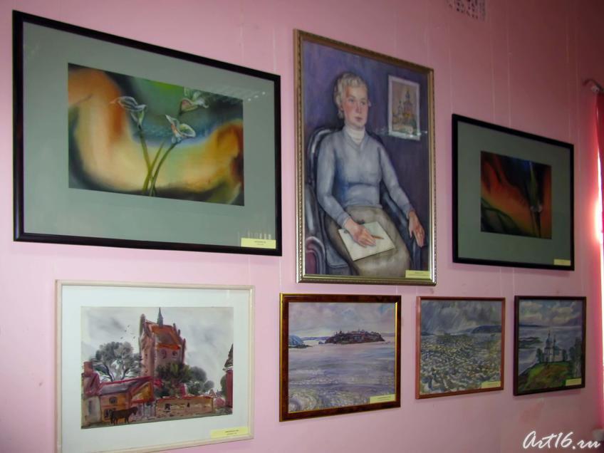 Фото №54670. Фрагмент экспозиции выставки акварели «Татарстан — наш общий дом»