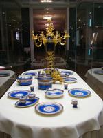 Канделябр-треножник с вазой синего фарфора / Предметы из Синего сервиза