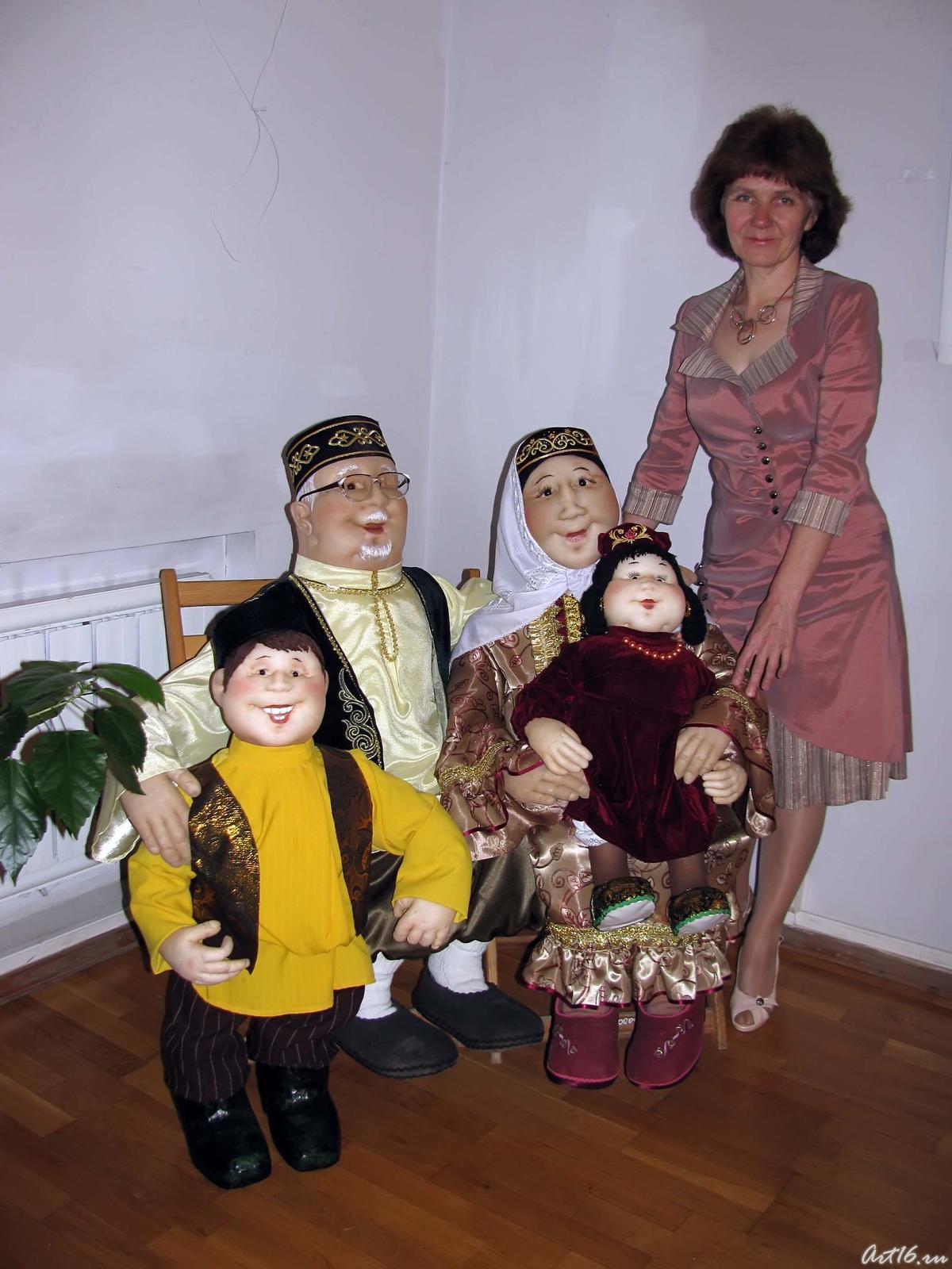 Фото №57643. Татарская семья ( кукольная композиция)
