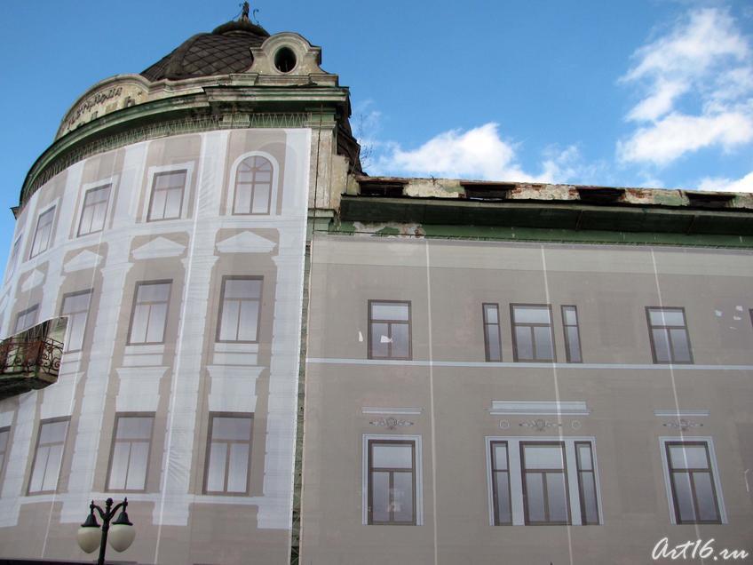 Обновленная ко Дню города гостиница ʺКазаньʺ::День Республики Татарстан и День города