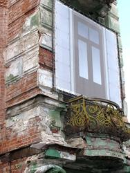 Балконы гостиницы Казань задекорировать не удалось.