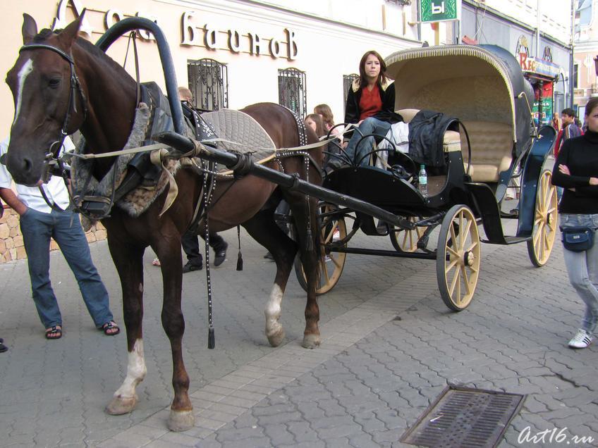 Пролетка на ул. Баумана::День Республики Татарстан и День города