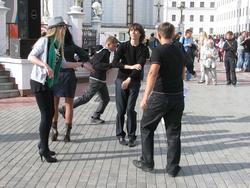 Танцы у Преображенской башни Казанского кремля