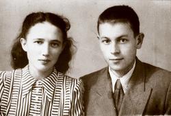 Молодожены: Гариф Ахунов и Шаида Максудова (Ахунова)