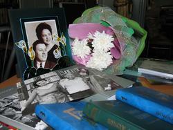 Фрагмент выставки, посвященной гарифу Ахунову