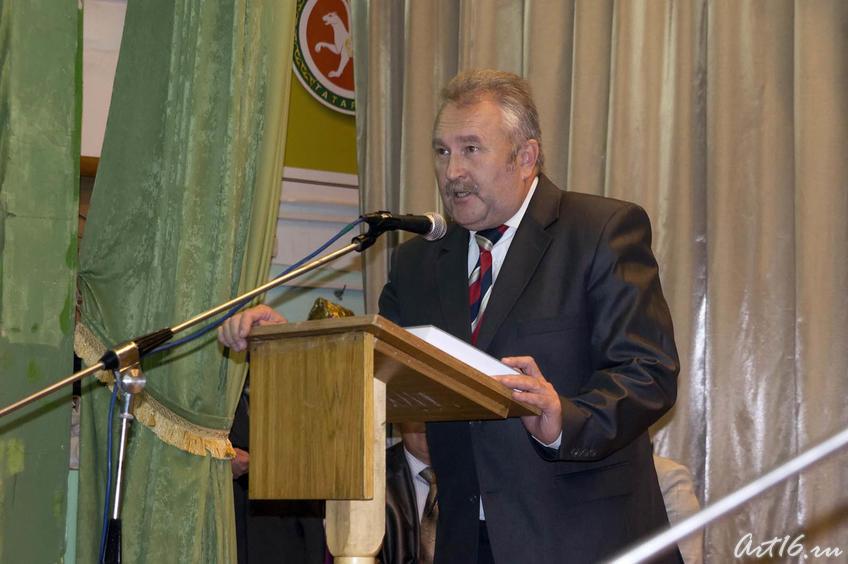 Вакиф Нуриев, писатель::Г.Ахунов, Арск