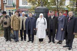Друзья, писатели, журналисты, родственники Г. Ахунова