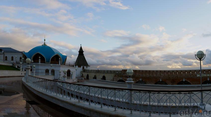 Фото №62407. Как обычно — облака над Казанским Кремлем необычные. Казань. Осень — 2010