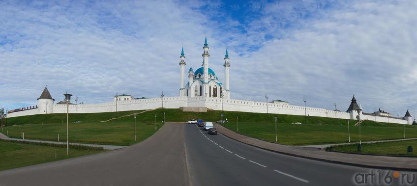 Панорама Казанского кремля с мечетью Кул Шариф::Избратое