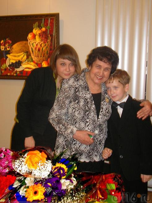 Рушан Якупова с внучкой и правнуком::Избратое