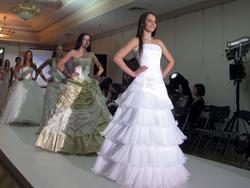 Невесты, дефиле