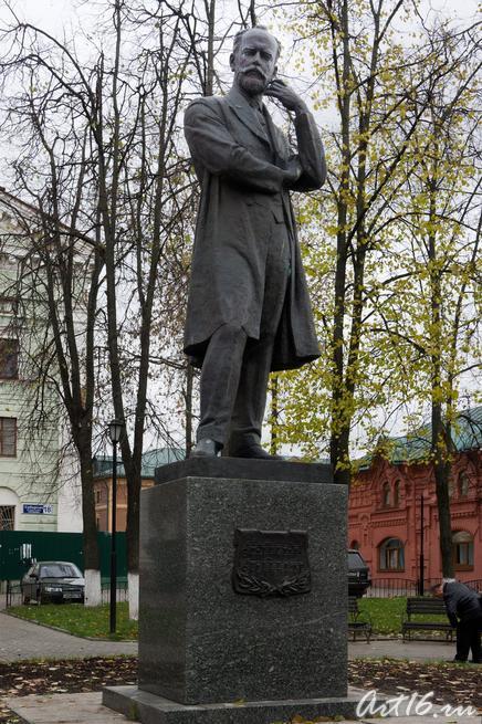 Памятник Петру Ильичу Чайковскому в Клину::г.Клин, дом-музей П.И.Чайковского