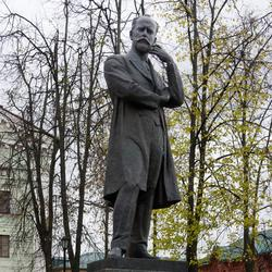 Памятник Петру Ильичу Чайковскому в Клину