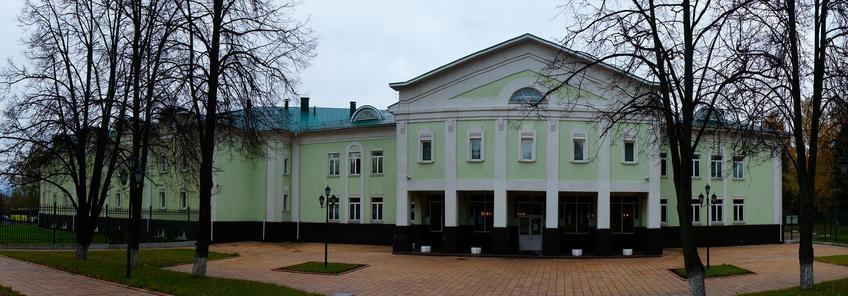 Концертный зал. Вход в Государственный Дом-музей П.И.Чайковского