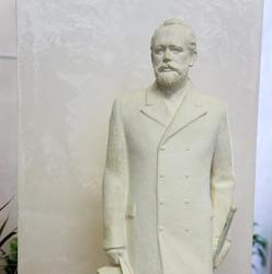 Майраслов А.П. Модель памятника П.И. Чайковскому. 1986.гипс