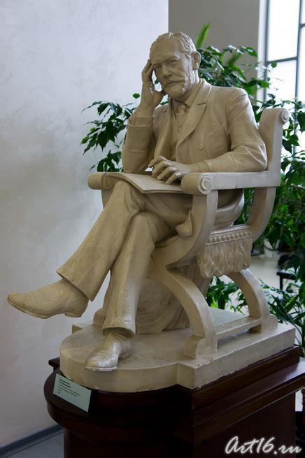Богаткина Е.П. П.И.Чайковский. Уменьшенная копия с оригинала::г.Клин, дом-музей П.И.Чайковского