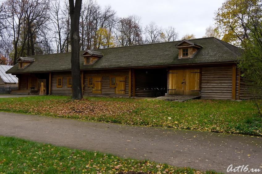 Хозяйственные постройки в усадюбе::г.Клин, дом-музей П.И.Чайковского