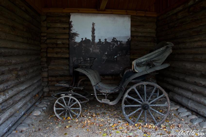 Прогулочная повозка. На ней когда-то выезжал в люди П.И.Чайковский::г.Клин, дом-музей П.И.Чайковского