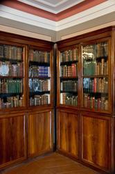 Два книжных шкафа в Доме-музее П.И.Чайковского
