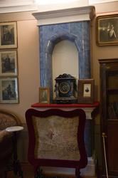 Камин в Доме-музее П.И.Чайковского (фрагмент кабинета-гостинной)