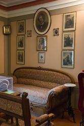 Фрагмент интерьера Дома-музея П.И.Чайковского