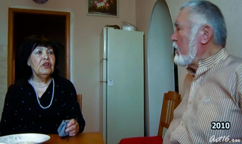 Альфия Авзалова, Рабит Батулла. Беседа. Кадр из фильма «Моң патшабикәсе»