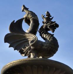 Страж ворот в «Парк Тысячелетия» Зилант