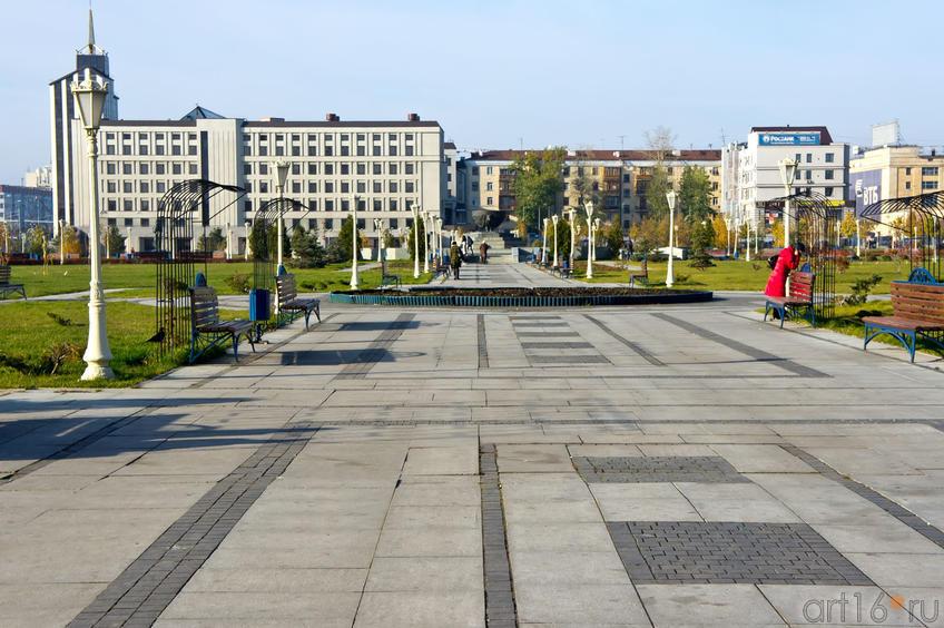 Центральная аллея  парка «Тысячелетия»::Разное. Казань