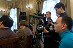 Аксенов-Фест 2010, пресс-конференция (Дом-музей Аксенова, К.Маркса 55/3)