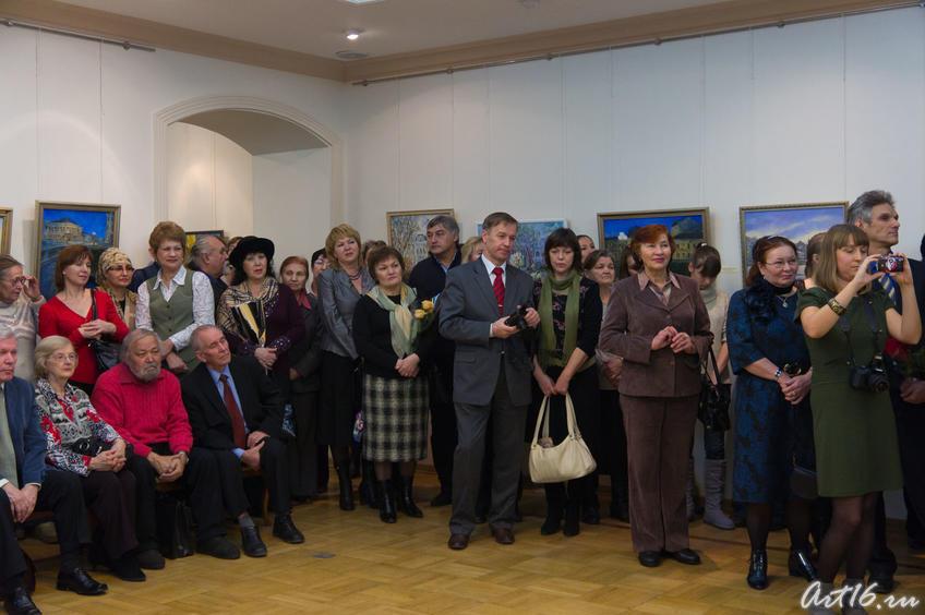 На открытии выставки Алсу Тимергалиной::«Золотое лицо города», Алсу Тимергалина
