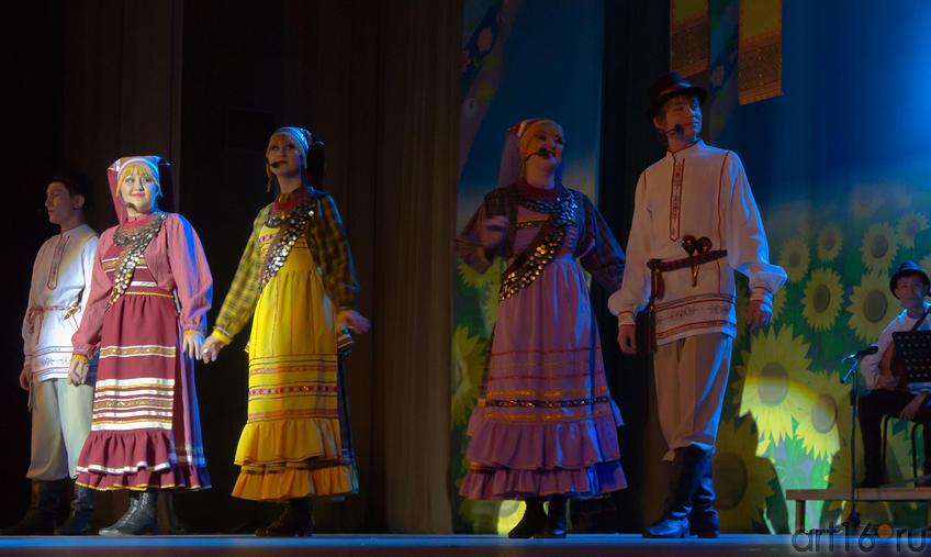 05880 Выступление ансамбля «Бермянчек», ноябрь 2010