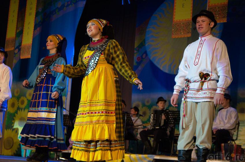 05882 Выступление ансамбля «Бермянчек», ноябрь 2010