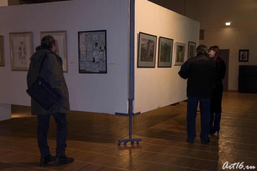 В. Тимофеев на выставке  «Новая графика 2010»::Республиканская выставка графики — 2010