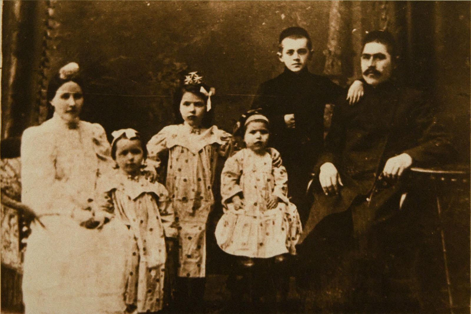 Знаменитости фото мамадышасемья яруллиных композиторы 3