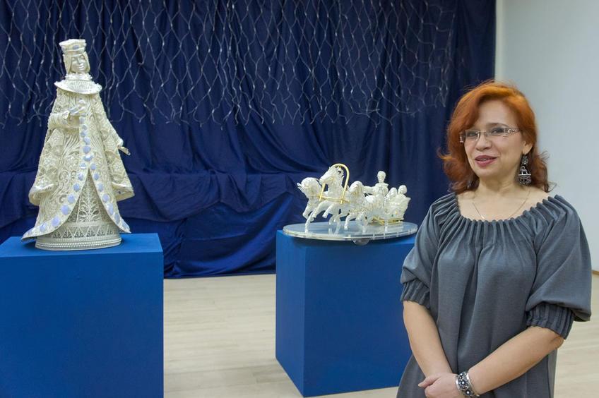 Медведева Татьяна Рафаиловна, ведущий художник завода «Красносельский Ювелирпром»::«Серебряное Рождество»
