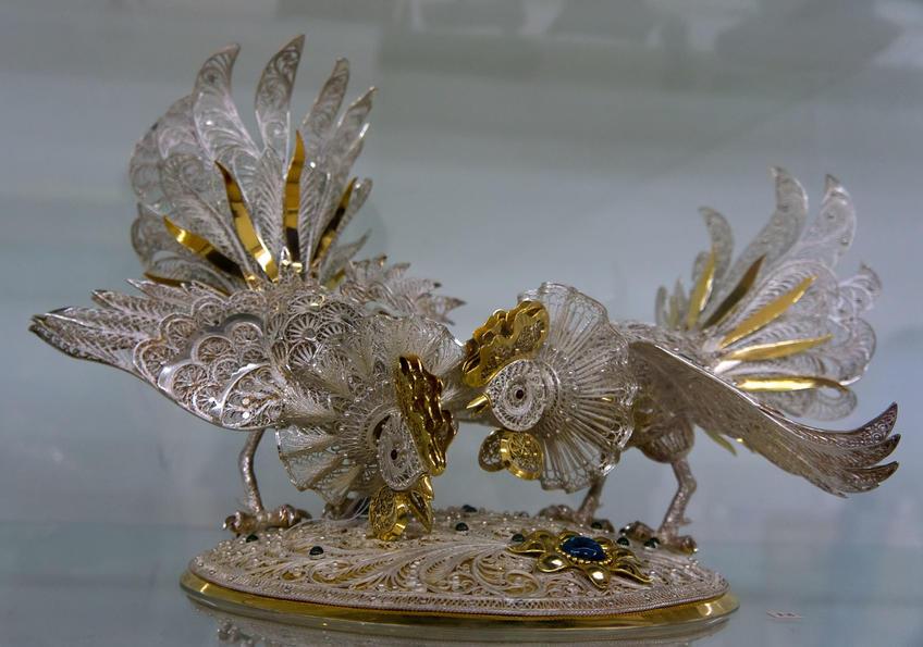 07531 Петушки клюют зернышко::«Серебряное Рождество»