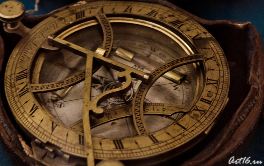 Компас с солнечными часами. Англия. Кон.XVIII- нач.XIX::Летопись Нового года