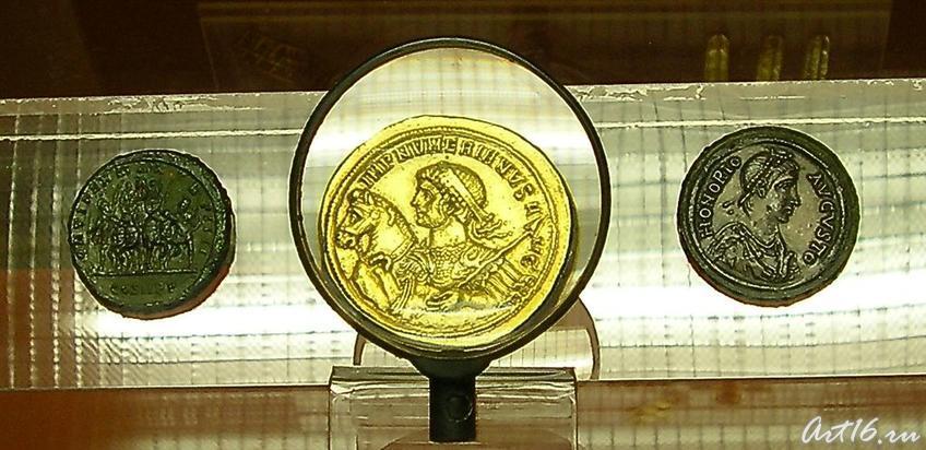 Фото №7003. Медальон. 283-284 гг. (в центре)