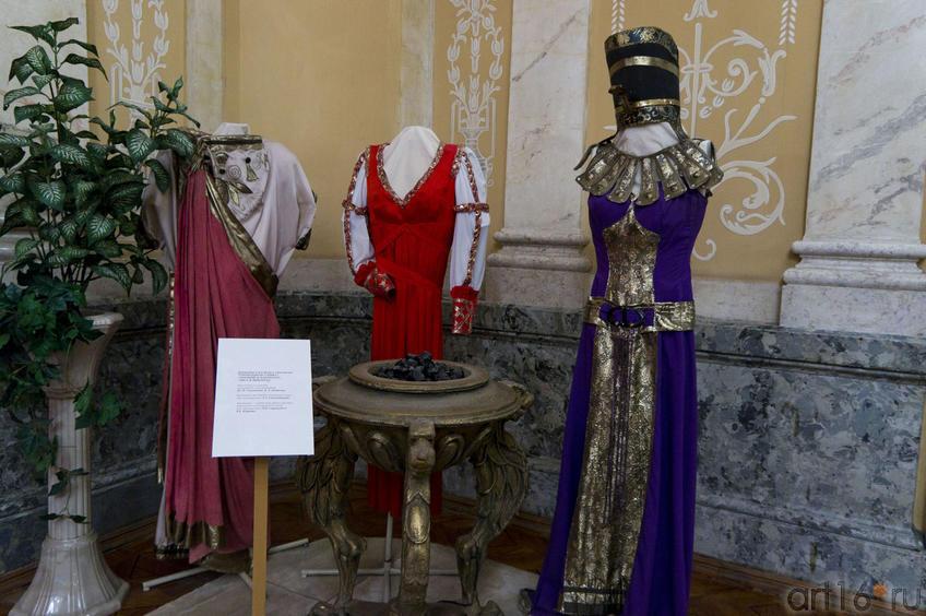 Фото №70637. Декорации и костюмы к спектаклям: ''Отравленная туника''...