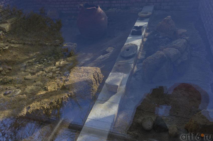 Фрагмент экспозиции археологического комплекса городища Керкинитиды ::Евпатория