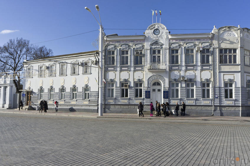 Административный корпус на Театральной площади::Евпатория