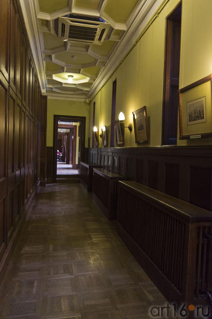 Галерея-коридор главного корпуса дворца Воронцова