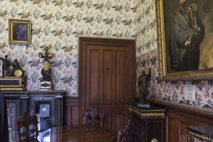 Парадный кабинет. Фрагмент интерьера