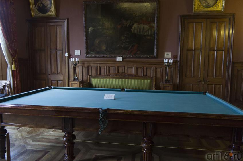 Бильярдный стол во дворце Воронцова
