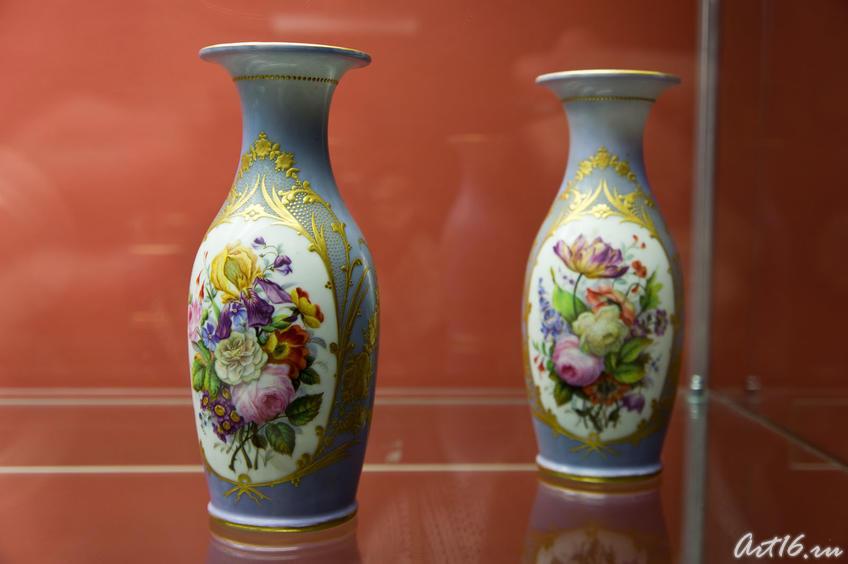 Фото №72626. Вазы парные голубые с крупным букетом. 1844. Париж