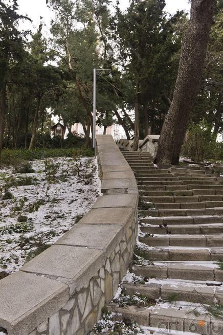 Лестница, ведущая к Храму Святого Иоанна Златоуста