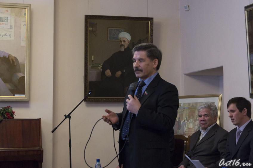 Роберт Мугаллимович Миннуллин, народный поэт РТ