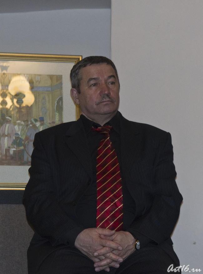 Камиль Адхамович Каримов, прозаик