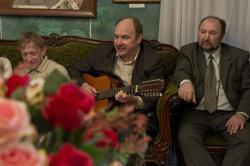 Владимир Гаранин, бард, шансонье (в центре)